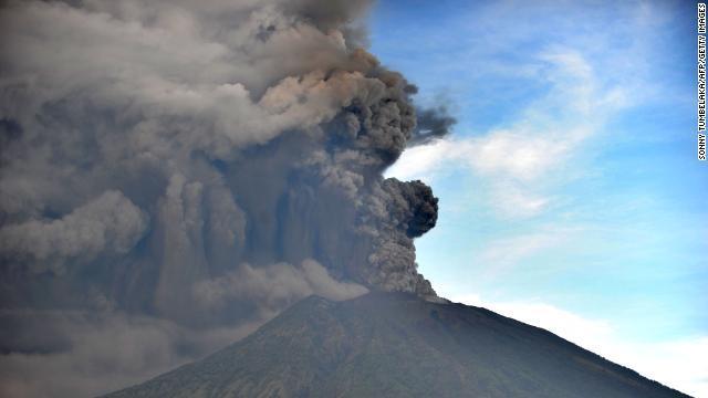 バリ島アグン山噴火2